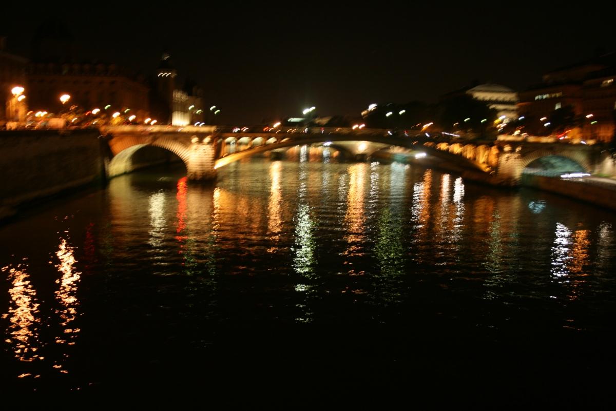 River Seine, Paris Travel Guide
